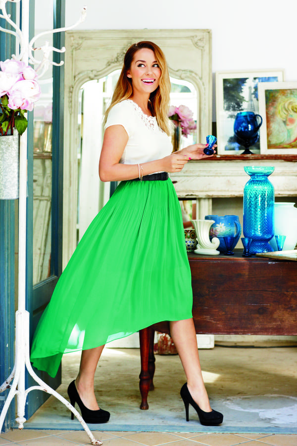 lc lauren conrad: hi-low green skirt with a white top + black pumps ♥ follow more high quality Jourdan Dunn content at pinterest.com/shop4fashion/hottest-of-the-honey-pot