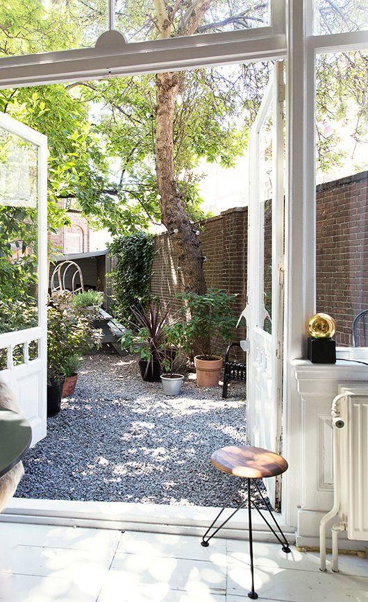 dark star / sfgirlbybay | a rental home in The Hague, Netherlands | photography by jansje klazinga for vtwonen