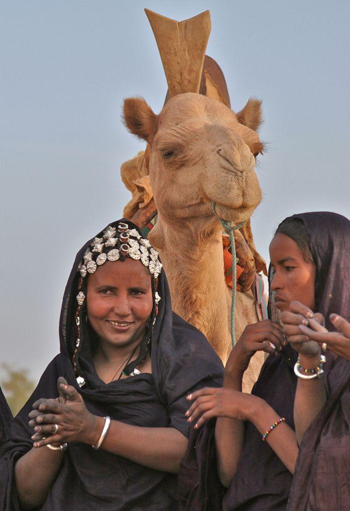 Tuareg women. Sahara Desert, outside Timbuktu, Mali.