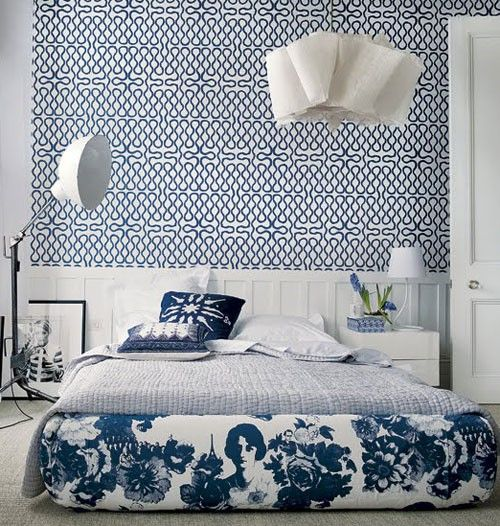 Blue and white bedroom. Love the wallpaper. Squiggle wallpaper in blue and white, Vivienne Westwood for Cole & Son