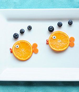bron: http://www.canadianfamily.ca/food/11-creative-food-ideas-your-kids-will-love/attachment/fruit-fish-jill-dubien/