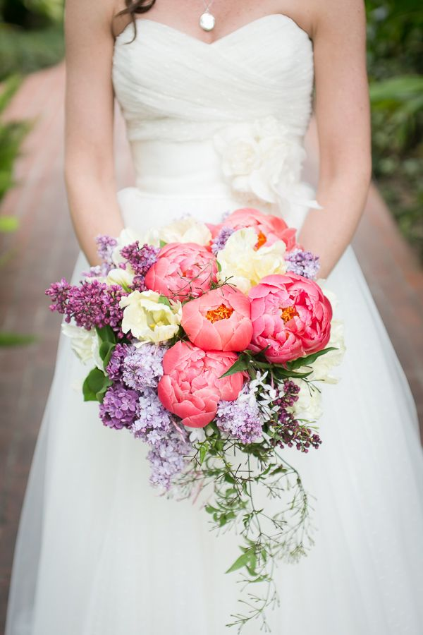 vibrant blooming bouquet // photo by Kaysha Weiner // floral design by Blue Magnolia Events