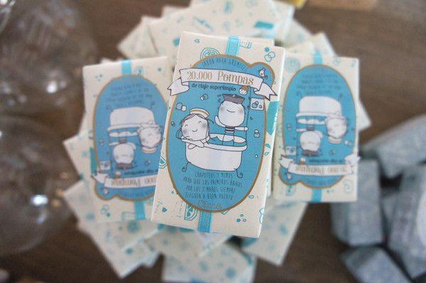 Olivia: Jabón 20.000 Pompas (De Viaje Superlimpio). ¡Jabón para grumetes! Chapoteos y mimos para que los baños siempre lleguen a buen puerto. Con aceite esencial de Litsea Cubeba y aceite nutritivo de albaricoque, suave y cuidadoso. Un porcentaje de los beneficios se destina a la Fundación Khanimambo, a la partida de la salud primaria y los tratamientos de piel de los niños de la Praia de Xai-Xai (Mozambique). #oliviasoaps #oliviatheshop #olivia #ninos