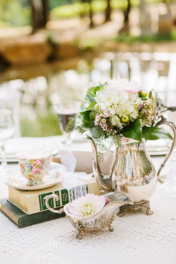 7 Tips for Your Vintage Wedding on earlyivy.com