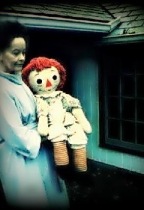 Annabelle e Lorraine Warren