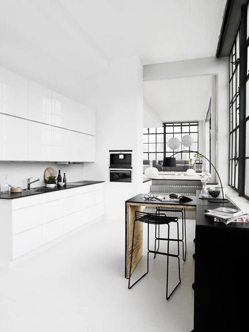 Contrasts / Black & White - Pistols Republic - Interior & Lifestyle
