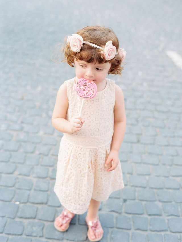 weekly wedding favorite flower girl