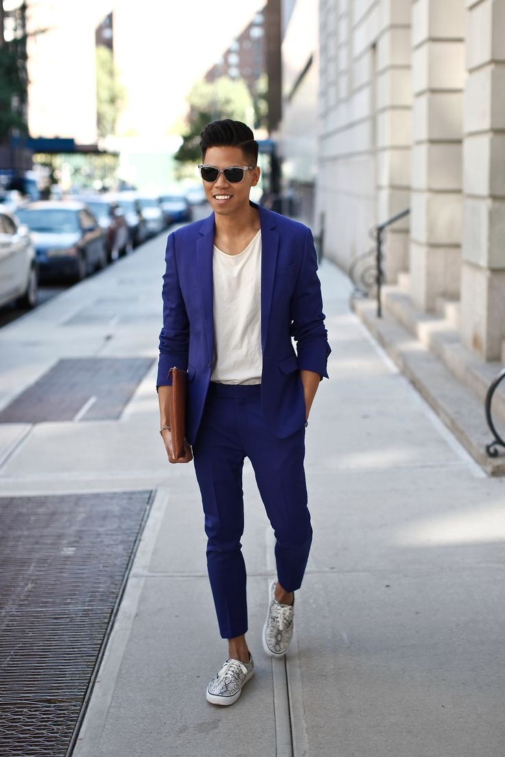 Outfit: Men's Dazzling blue Suit With T-Shirt