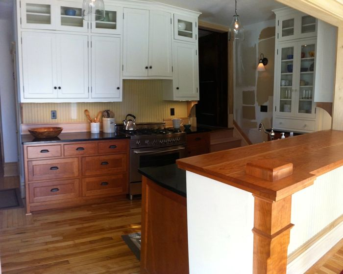 Small Kitchen Can Mix Cabinets Finishes Kitchens Forum Gardenweb