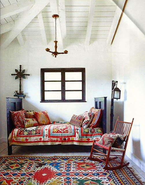 Design Small Living Spaces  Serafini Amelia Design-Gypsy Lou Vintage: Eclectic white interiors with colour pops