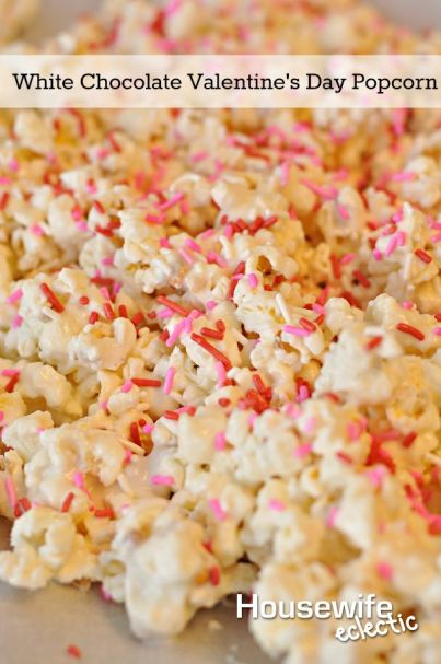 white chocolate valentines day popcorn