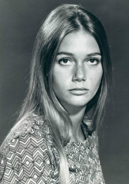 Peggy Lipton (born August 30, 1946) is an American actress and model. She was an overnight success as flower child Julie Barnes in the iconic counterculture TV show The Mod Squad (1968-1973). A former model and singer, her career in film, stage and television has spanned more than forty years.