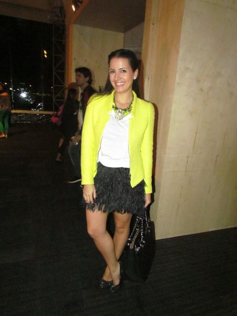Tati Canto e sua saia bapho no Fashion Rio!