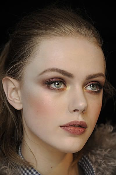 gorgeous eyes + lip color.