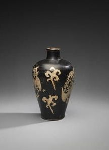 A fine and very rare Jizhou resist-decorated 'double phoenix' baluster vase, meiping, Southern Song Dynasty