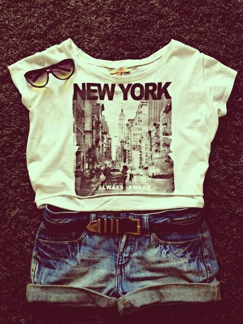 New York tee, jean shorts, shades.