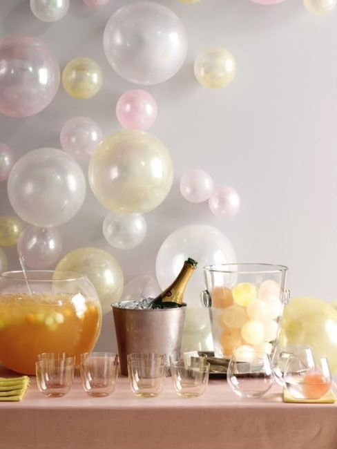 LOVE the balloons tacked to the wall! Bubbly background
