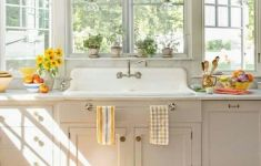 15 Brand New Sunny Kitchen That You Have To See