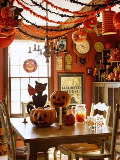 Only 90 days 'til Halloween. Be sure to order your vintage Beistle early while the selection is good.  http://www.vintagebeistle.com/