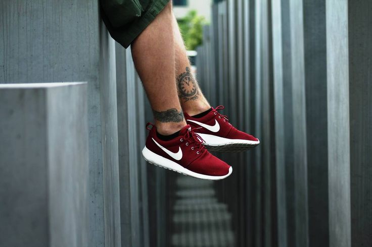 Nike Roshe Run - Team Red/Sail
