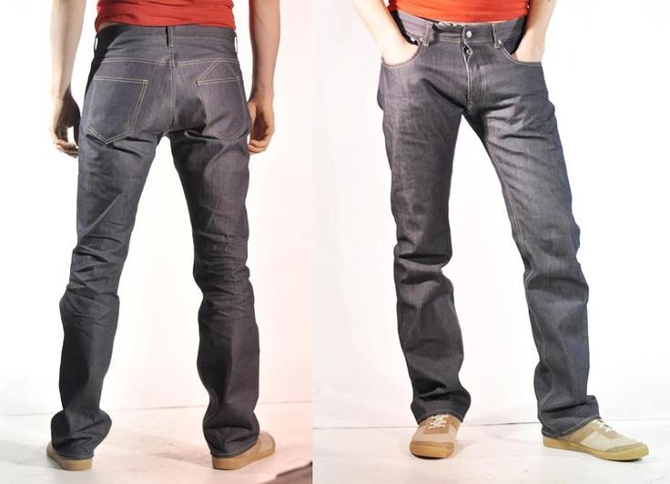 jeans 1083 coupe droite pour homme, le 101 BRU 13 : 100% coton bio, tissé dans la Loire (42), fabriqué à Marseille (13), sera disponible du 38 au 46 et en 3 longueurs (32, 34, 36).
