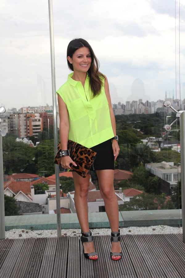 Sophia Alckmin - Neon