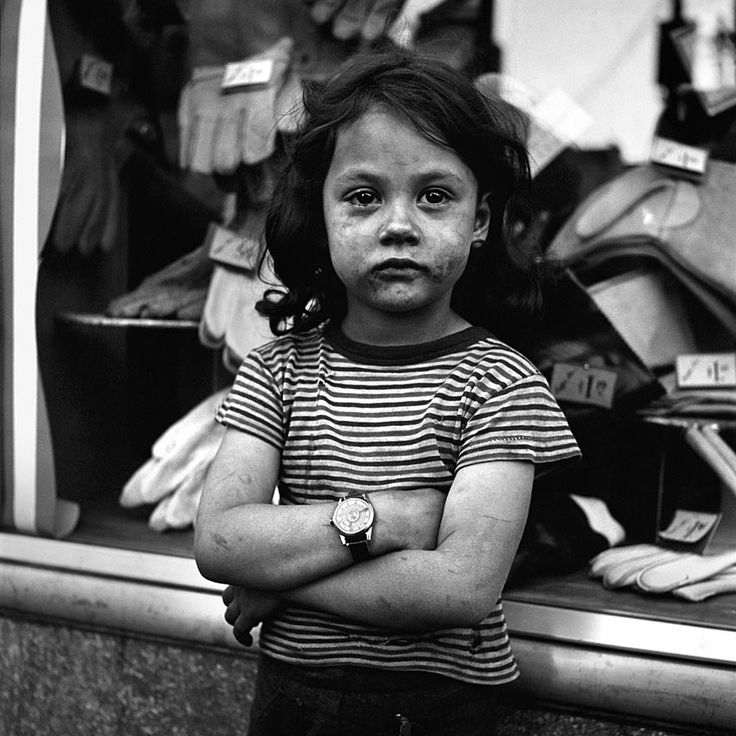 untited. credit: vivian maier - this childs face just draws you in, i love it.