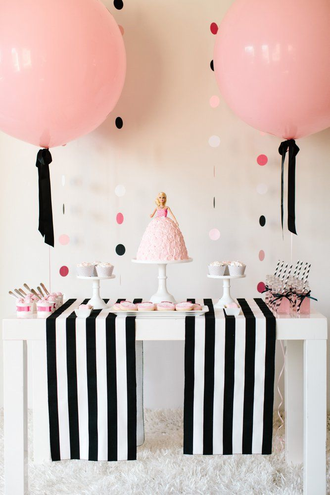 the balloons and table fabric