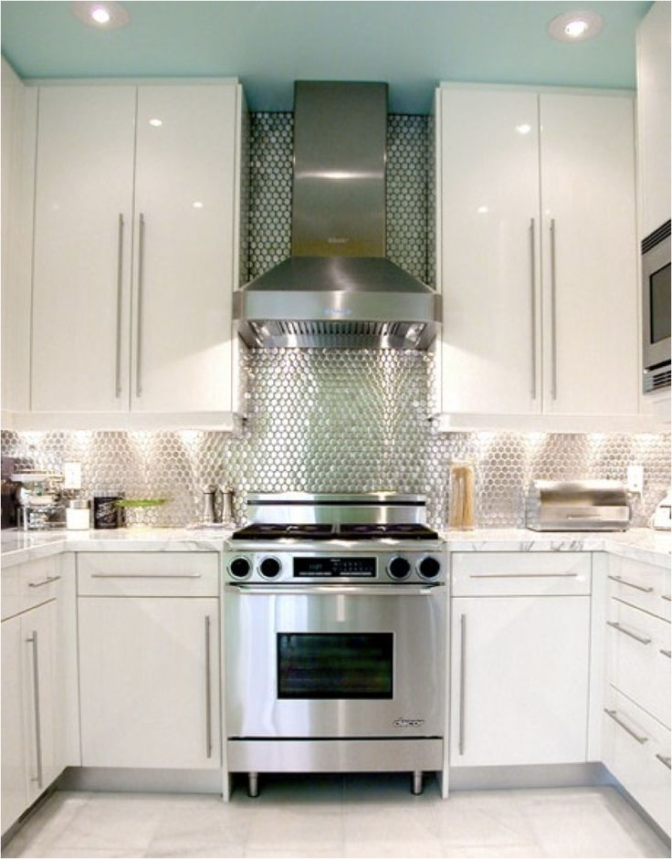 Eye-popping backsplash