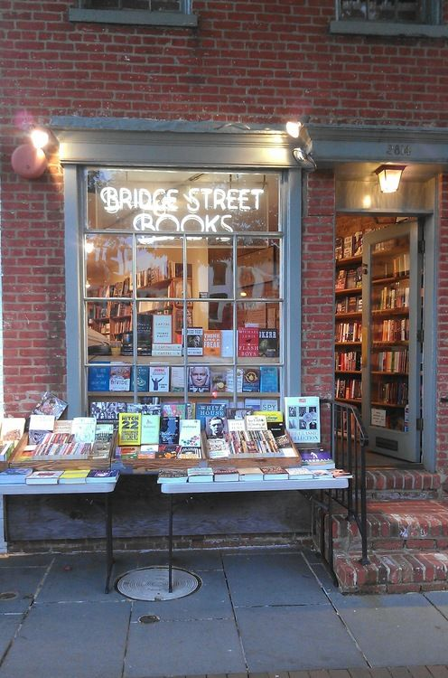 Bridge Street Books. Washington, DC