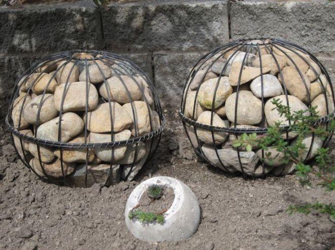 Diy gabion globes old hanging baskets look at this
