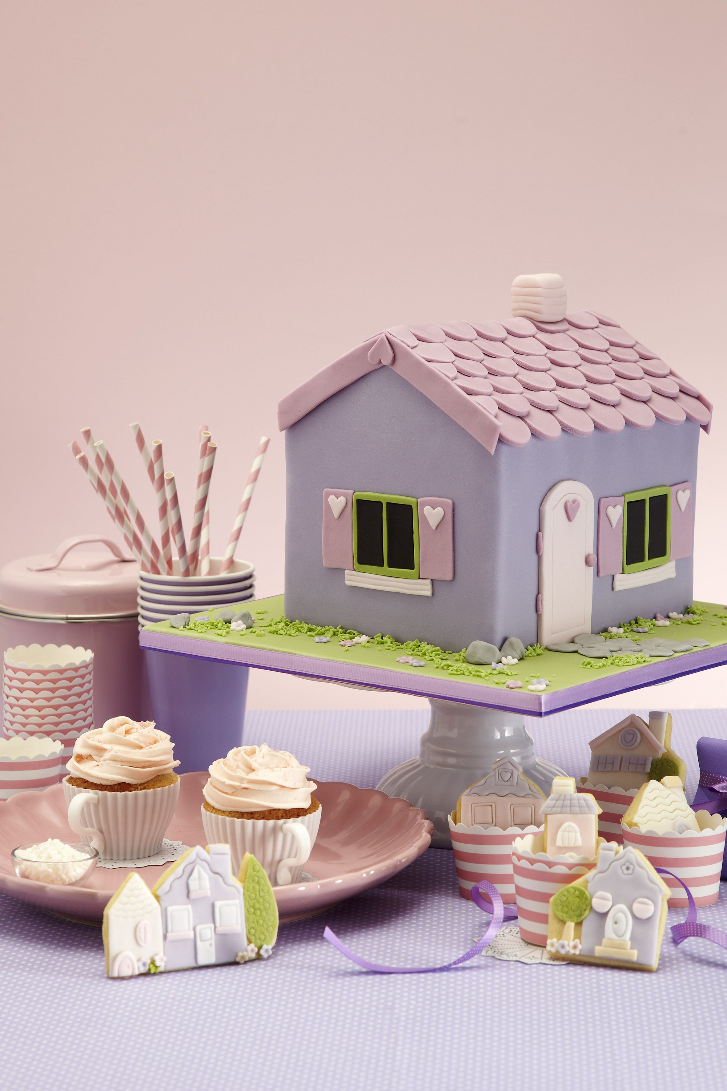 Doll House Cake Party By Hana Rawlings