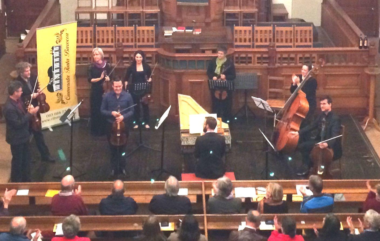 Emile de Roubaix performed Telemann's Viola Concerto in G with Camerata Tinta Barocca