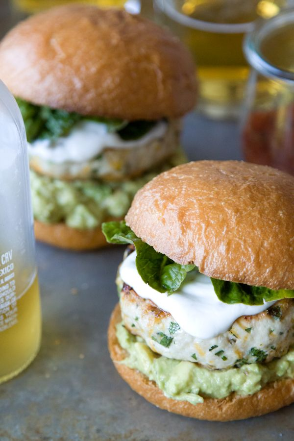 Cheddar Jalapeno Chicken Burgers + Guacamole / whats gaby cooking