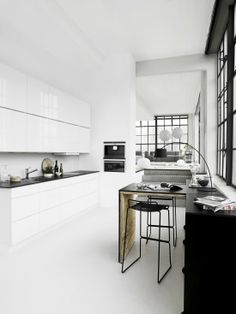 Vosgesparis: Kvik Kitchens in black and white