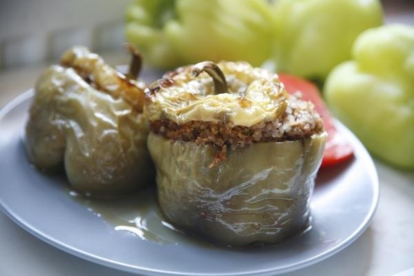 Fylt paprika med quinoa og valnøtter fra Feeling Good