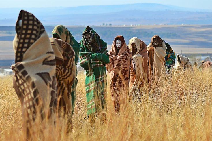 Qunu, Sudafrica ragazzi della tribù Xhosa DOPO essersi sottoposti al rito della circoncisione, una Qunu (CARL DE SOUZA / AFP / Getty Images)