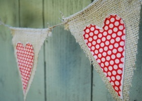 Cute burlap Valentine banner, would be nice with gingham hearts too!