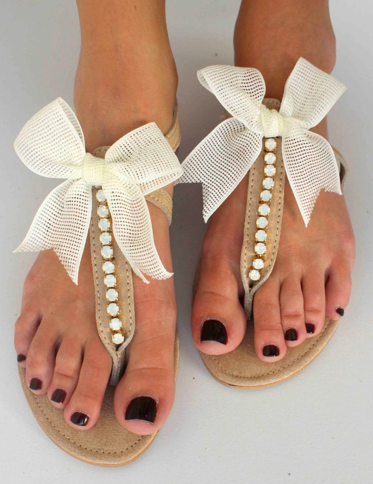Leather Sandals with bows