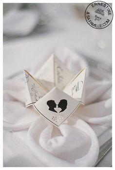 """menu """"cocotte en papier"""" à l'effigie des mariés (silhouettes)"""