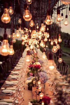 There is something so majical about edison bulbs... Maybe we can incorporate them into our head table backdrop!