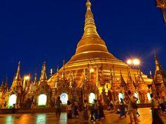 Myanmar - Birmanie - Schwedagon Pagoda - Rangoon (Yangon) Mingalaba Burma ! Bonjour Myanmar ! https://picsandtrips.wordpress.com/2014/03/25/mingalaba-burma/