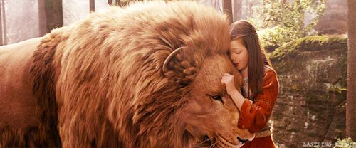 <3 Aslan and Lucy. And a cool site:)