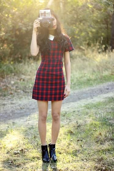 Thi looks perfect in our Coincidence & Chance Collared Babydoll Dress with a pair of black ankle boots. #UOonYou