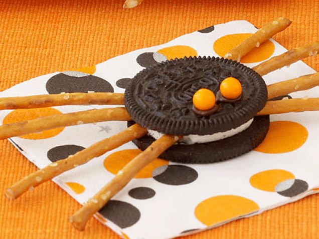 Easy Halloween Snacks you can give to students or have them make themselves!