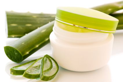 How To Make An Aloe Vera Face Mask: Aloe Vera is a miracle plant that is renowned for its use in skin care treatments and homemade remedies
