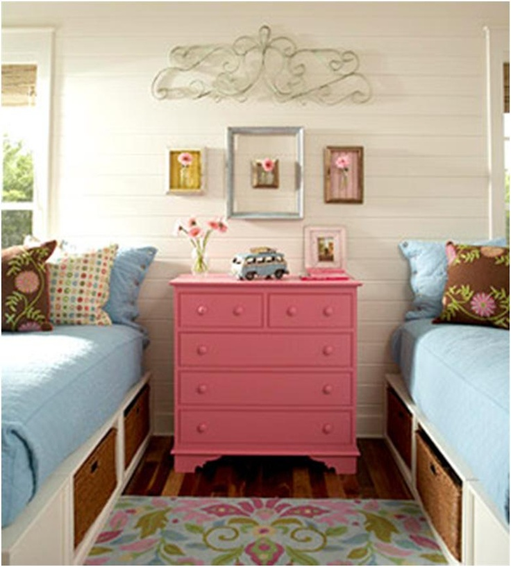 Adorable twin bedroom    even though you arnt twins my idea is the side of your front door put the beds going that way!