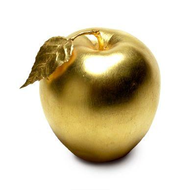 grandlifehotels: The big golden apple. (via blue-dreams-revisited)