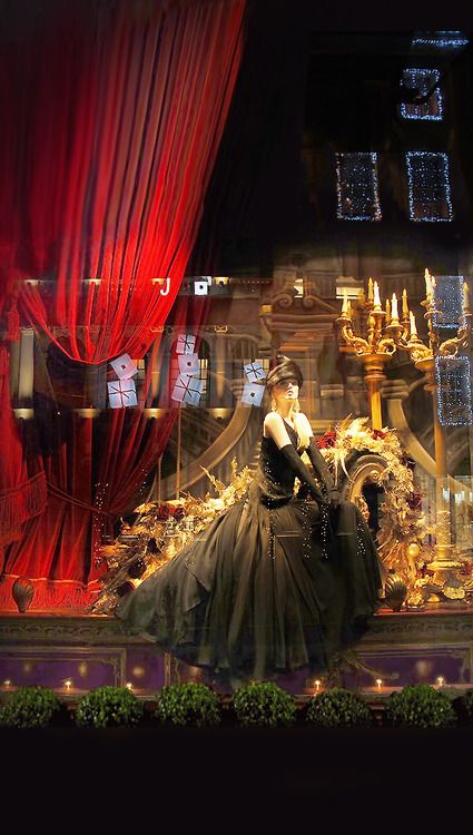 Marie Claire the Best Christmas Windows 2013  Ralph Lauren