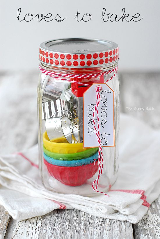 Loves To Bake Gift In A Jar for the people in your life who love baking! #masonjar #sponsored